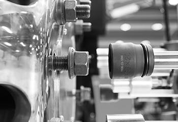 ATLAS-COPCO-4–Outils-et-solutions-pour-l'industrie_grayscale